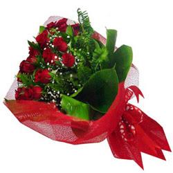 Muş kaliteli taze ve ucuz çiçekler  12 adet kirmizi essiz gül buketi - SEVENE ÖZEL