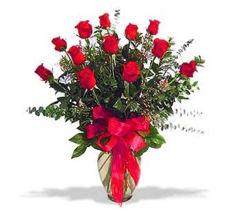çiçek siparisi 11 adet kirmizi gül cam vazo  Muş online çiçek gönderme sipariş