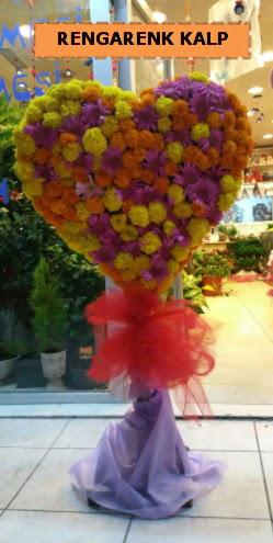 Ankara mevsim çiçeklerinden kalp perförje  Muş çiçekçi telefonları