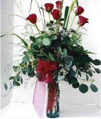 Muş çiçek siparişi sitesi  7 adet gül özel bir tanzim