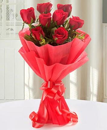 9 adet kırmızı gülden modern buket  Muş İnternetten çiçek siparişi