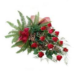 Muş online çiçek gönderme sipariş  10 adet kirmizi gül özel buket çiçek siparisi