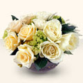Muş güvenli kaliteli hızlı çiçek  9 adet sari gül cam yada mika vazo da  Muş İnternetten çiçek siparişi