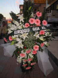 kazablanka,gerbera,sebboy ferforje  Muş çiçekçi mağazası