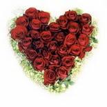 kalp biçiminde 15 gülden   Muş güvenli kaliteli hızlı çiçek