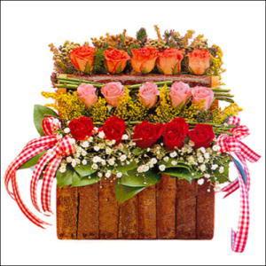 sandikta 3 kat güllerden   Muş cicekciler , cicek siparisi