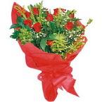 10 adet kirmizi gül buketi  Muş çiçek yolla