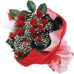 Muş internetten çiçek satışı  KIRMIZI AMBALAJ BUKETINDE 12 ADET GÜL