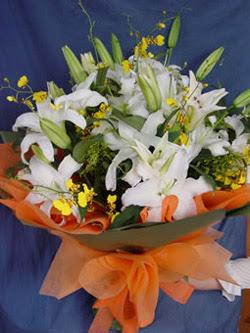 Muş internetten çiçek satışı  5 ADET KAZABLANKA BUKETI KALITEDEN SASMAYANLARA