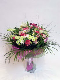 Muş hediye çiçek yolla  karisik mevsim buketi mevsime göre hazirlanir.