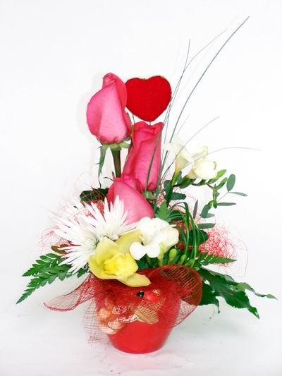 Muş ucuz çiçek gönder  cam içerisinde 3 adet gül ve kir çiçekleri