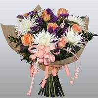 güller ve kir çiçekleri demeti   Muş çiçekçiler