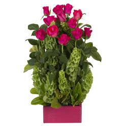 12 adet kirmizi gül aranjmani  Muş çiçek mağazası , çiçekçi adresleri