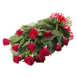 11 adet kirmizi gül buketi  Muş yurtiçi ve yurtdışı çiçek siparişi