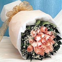 12 adet sonya gül buketi anneler günü için olabilir   Muş İnternetten çiçek siparişi