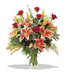 Muş çiçek servisi , çiçekçi adresleri  Pembe Lilyum ve Gül