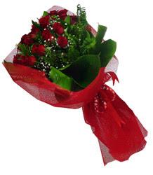 Muş çiçek gönderme sitemiz güvenlidir  10 adet kirmizi gül demeti
