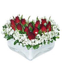Muş internetten çiçek siparişi  mika kalp içerisinde 9 adet kirmizi gül