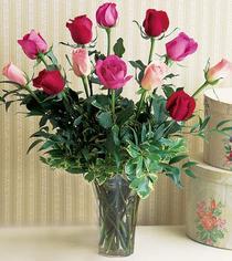 Muş çiçek mağazası , çiçekçi adresleri  12 adet karisik renkte gül cam yada mika vazoda