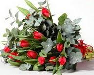 Muş çiçek satışı  11 adet kirmizi gül buketi özel günler için