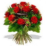 9 adet kirmizi gül ve kir çiçekleri  Muş internetten çiçek satışı