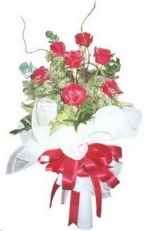 Muş çiçek siparişi sitesi  7 adet kirmizi gül buketi