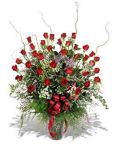 Muş çiçek siparişi sitesi  33 adet kirmizi gül vazo içerisinde