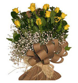 Muş çiçek yolla  9 adet sari gül buketi