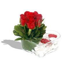 Mika kalp içerisinde 9 adet kirmizi gül  Muş çiçek servisi , çiçekçi adresleri