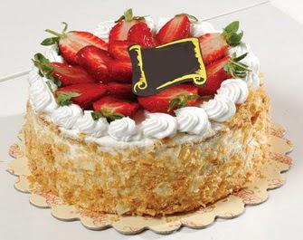 uygun pastaneler 4 ile 6 kisilik çilekli yas pasta lezzetli  Muş çiçek siparişi vermek
