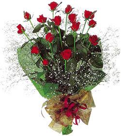 11 adet kirmizi gül buketi özel hediyelik  Muş çiçekçi mağazası