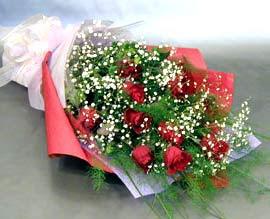 10 adet kirmizi gül çiçegi gönder  Muş anneler günü çiçek yolla
