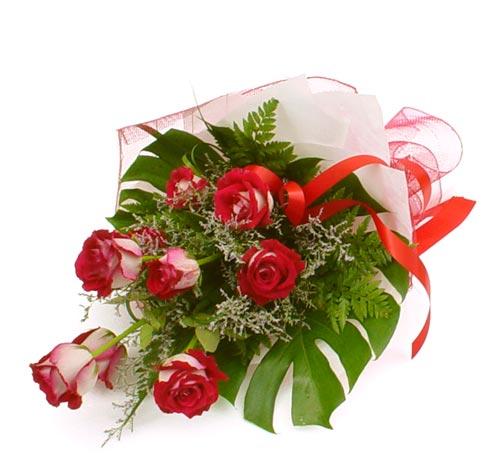 çiçek gönder 7 adet kirmizi gül buketi  Muş kaliteli taze ve ucuz çiçekler