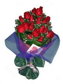 12 adet kirmizi gül buketi  Muş online çiçek gönderme sipariş