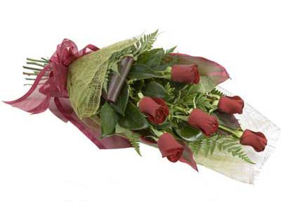 ucuz çiçek siparisi 6 adet kirmizi gül buket  Muş çiçek siparişi sitesi