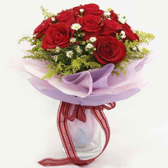 Çiçek gönderme estetikliginiz 11 gül buket  Muş çiçekçi mağazası