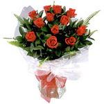 Muş çiçek , çiçekçi , çiçekçilik  9 adet güzel bir gül buketi