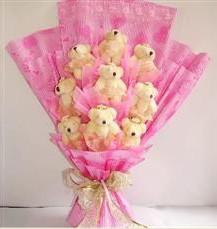 9 adet pelus ayicik buketi  Muş anneler günü çiçek yolla