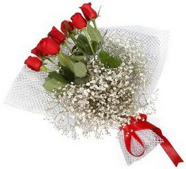 7 adet essiz kalitede kirmizi gül buketi  Muş hediye sevgilime hediye çiçek