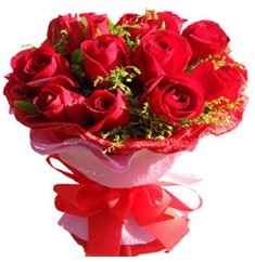 9 adet kirmizi güllerden kipkirmizi buket  Muş çiçekçiler