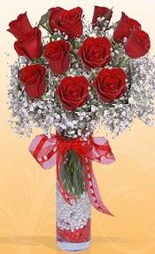 10 adet kirmizi gülden vazo tanzimi  Muş çiçek siparişi sitesi