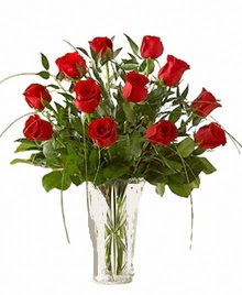 cam yada mika vazo içerisinde 9 kirmizi gül  Muş çiçek siparişi sitesi