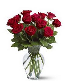 Muş çiçek gönderme sitemiz güvenlidir  cam yada mika vazoda 10 kirmizi gül