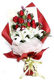 Muş hediye çiçek yolla  9 adet gül 2 adet kazablanka buketi