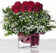 Muş internetten çiçek satışı  mika yada cam vazo içerisinde 7 adet gül