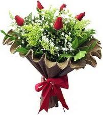 Muş online çiçek gönderme sipariş  5 adet kirmizi gül buketi demeti