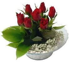 Muş internetten çiçek satışı  cam yada mika içerisinde 5 adet kirmizi gül