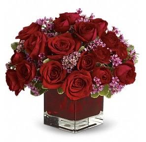 11 adet kırmızı gül vazosu  Muş çiçekçiler