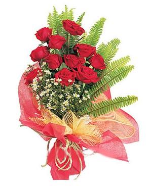 Muş İnternetten çiçek siparişi  11 adet kırmızı güllerden buket modeli
