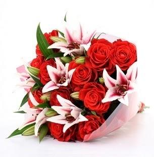 Muş çiçek siparişi vermek  3 dal kazablanka ve 11 adet kırmızı gül
